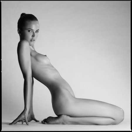 изгиб женского тела