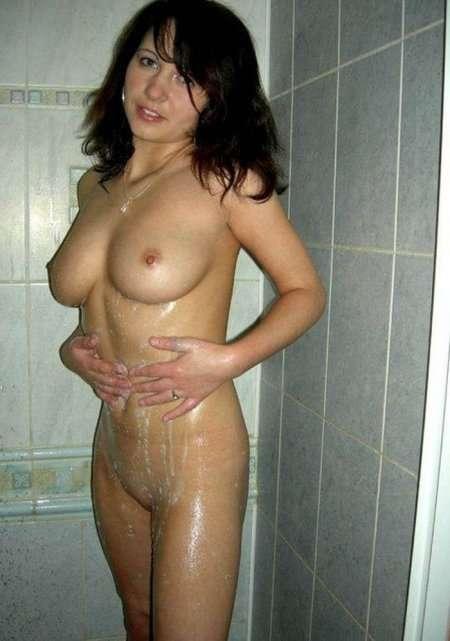 милашка в ванной