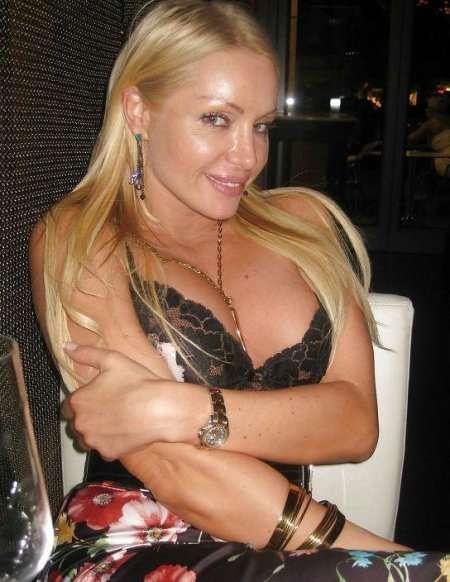 блондинка с большими сиськами
