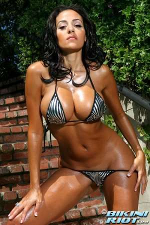 стройное тело бразильянки