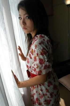 Молоденькая и игривая Nao Miyazaki