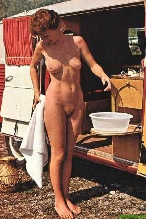спортивная голая девушка