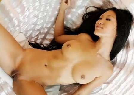 выбритая киска азиатки