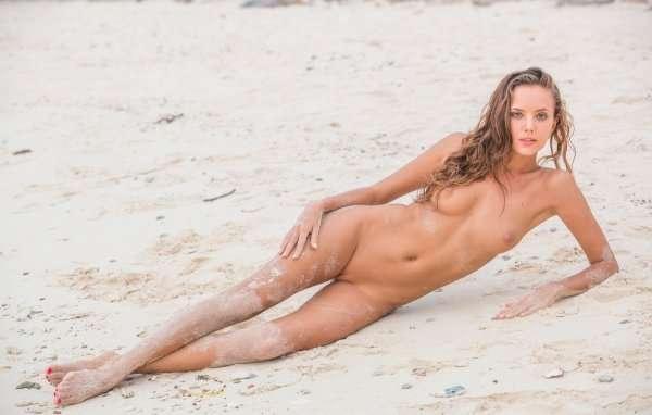 Katya Clover Meet Me At The Beach By Femjoy Erocurves 1