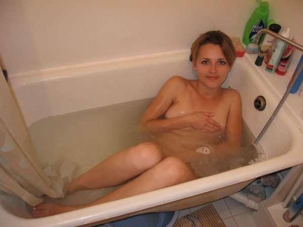 Бывшая подруга в ванне