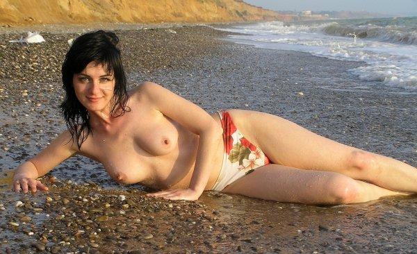 Пикантные пляжные фото