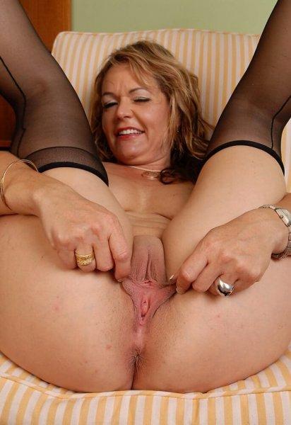 Мамочка играет с собой