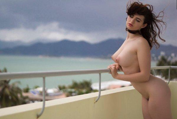 Эротическая подборка горячих эротических фото сексуальных девушек