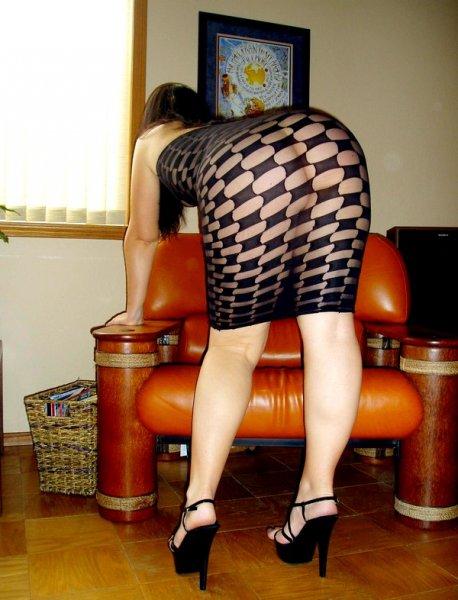 Дама средних лет с большой задницей