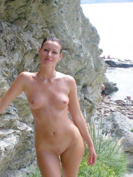 Девушки нудистки голые на пляже