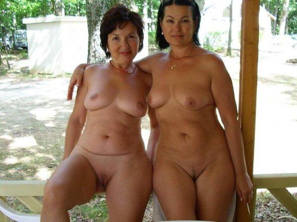 Зрелые нудистки