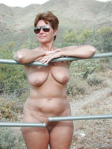 Зрелые голые нудистки