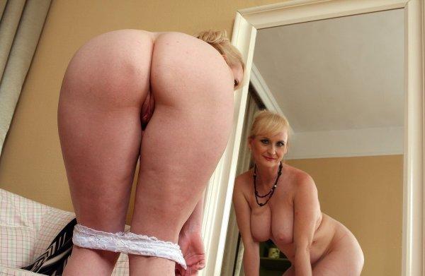 Большие зрелые задницы