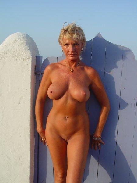 Зрелые женщины голышом