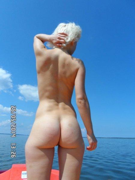 Интимные фото блондинки с отдыха