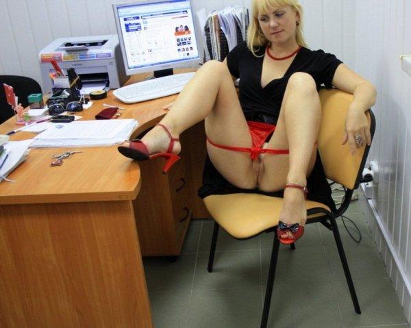 Секретарши не любят носить трусики