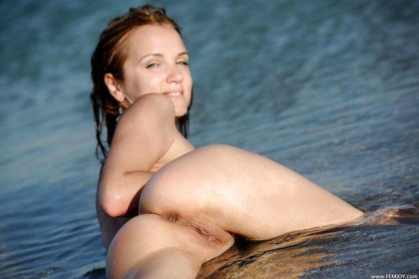 Девушки нудистки и их голые фотографии