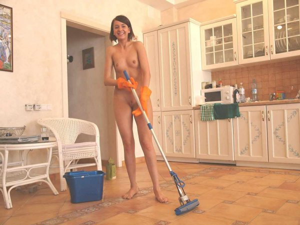 Голые домохозяйки
