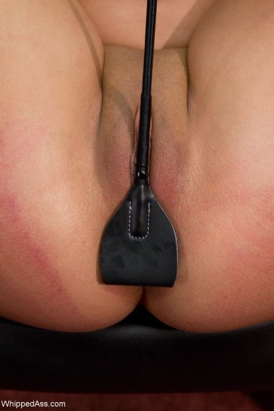 Анальная мастурбация до оргазма