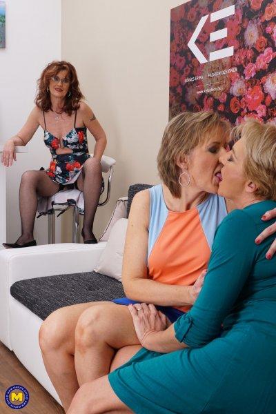 Страстная оргия злелых лесбиянок