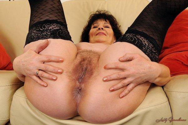 Киски зрелых женщин раком